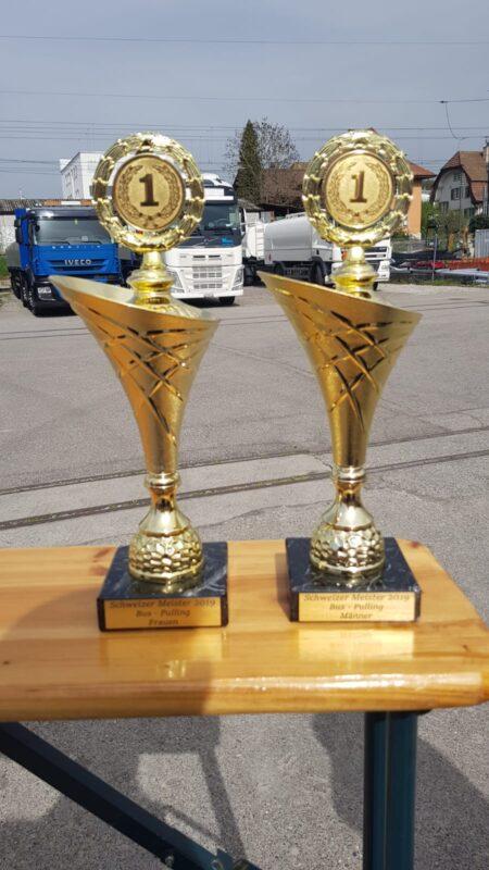 Pokale Bus Pulling Schweizermeisterschaft